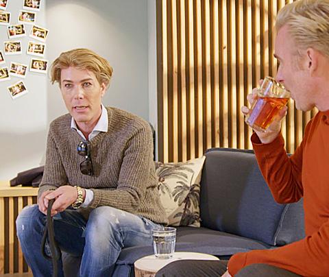 Rogier Smit onuitstaanbaar in tv-show Art Rooijakkers