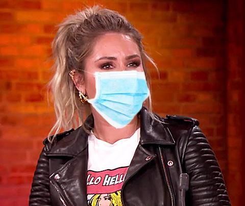 Nikkie Plessen voorstander van lelijke mondkapjes
