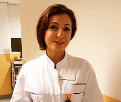 Talkshowgast Eva Jinek overspoeld door placenta's
